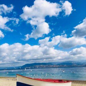 «Oggi m'innamoro del mare» – Una poesia di Silvio Perrella
